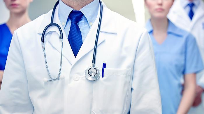 >Il Dottor Giuseppe La Torre, medico chirurgo del Centro Medico KOS